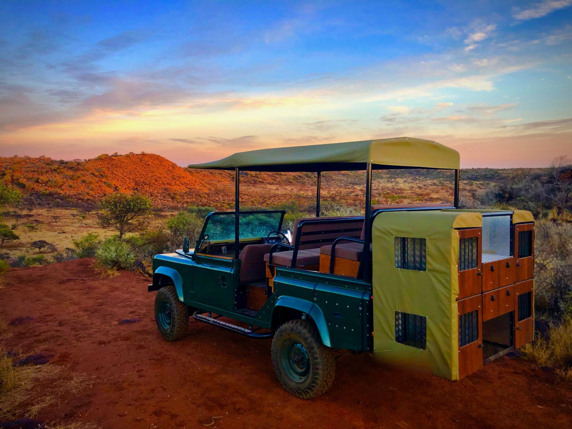 Classic Overland Upland Land Rover