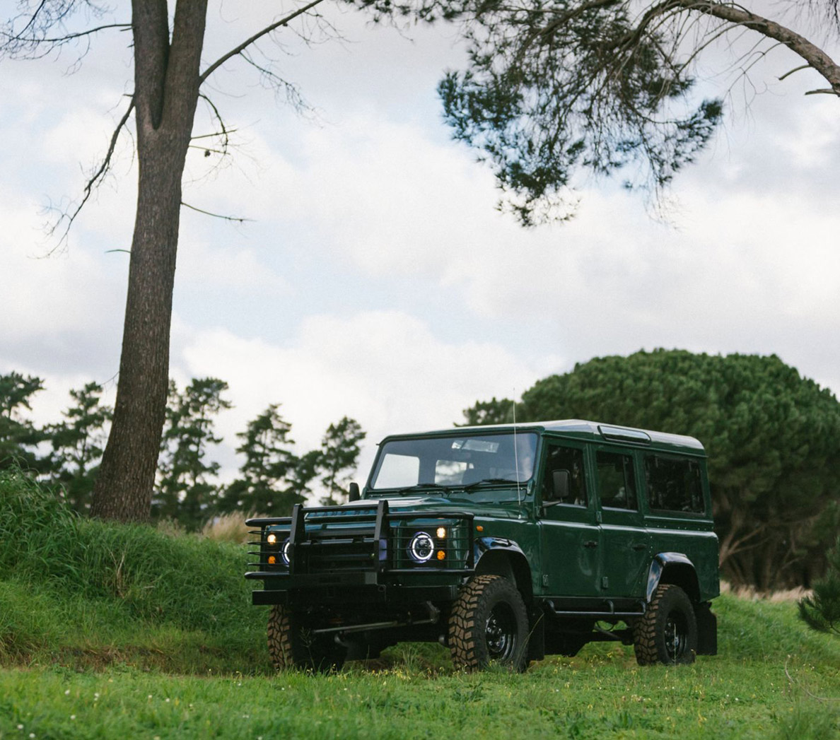 Land Rover Station Wagon