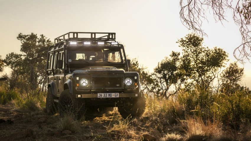 The Kameelperd Signature Build Defender by Classic Overland